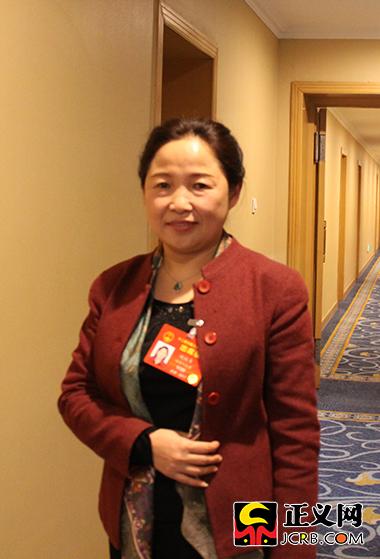 全国人大代表、湖南省张家界市人民医院院长姚媛贞。郑智 摄