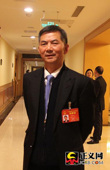 全国人大代表,长沙医学院董事长、院长,九三学社湖南省委副主委何彬生。郑智 摄