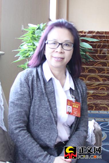 全国人大代表、湖南省郴州市第一人民医院副院长雷冬竹。郑智 摄